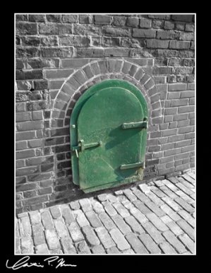 Little door in the wall (deviantart)